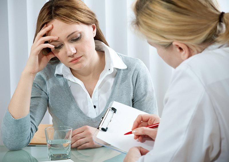 Den Patient ganzheitlich erfassen. Die gründliche Anamnese ist der erste Schritt.