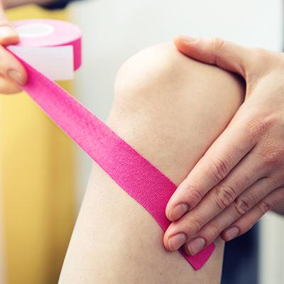 Kinesiotherapie Tape Anwendung Knie