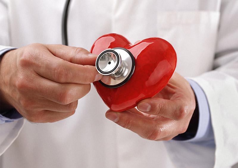 Symbolfoto Stethoskop Untersuchung am Herz